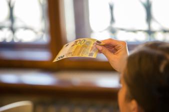 Данные налоговиков: во втором квартале меньше всех зарабатывали жители Ида-Вирумаа