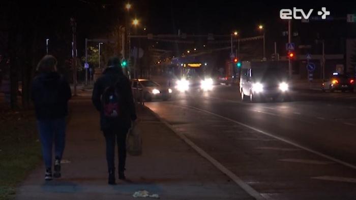 Больше месяца на трех улицах Нарвы отсутствует освещение