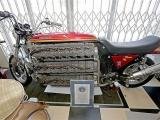 Этот 48-цилиндровый мотоцикл - одна из самых безумных вещей, которые вы когда-либо видели