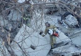В поиске выживших: эксклюзивные кадры с места взрыва газа в Магнитогорске