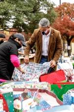 Воры похитили подарки для детей из бедных семей, но местные жители спасли ситуацию