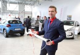 В Нарве открылся «автомобильный супермаркет»