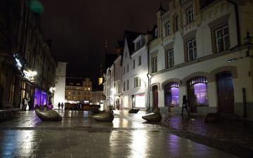 Площадь Вабадузе в новогоднюю ночь защитят бетонными ограждениями