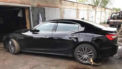 В гаражах на Тонди нашли угнанный в Финляндии Maserati