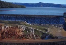ЧП на Оровилльской плотине: уровень воды снизился, но угроза не миновала