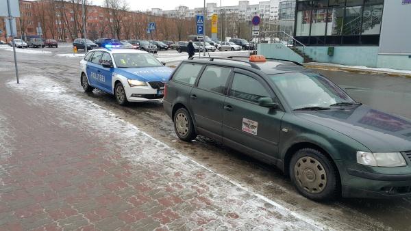 Полиция и отдел надзора Нарвской Горуправы проверили нарвское такси