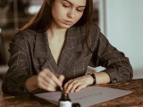 Студент из Красноярска зарабатывает 7 тысяч долларов в месяц, придумывая красивые подписи
