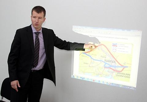 На нарвской границе проверять документы будут автоматы