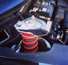 Если на Porsche врезаться передними колесами в бордюр