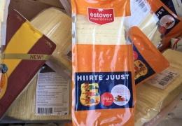 В Кингисеппе изъяли почти полтонны продуктов питания из Эстонии