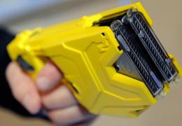 Эстонская полиция приступила к переговорам о покупке электрошокеров
