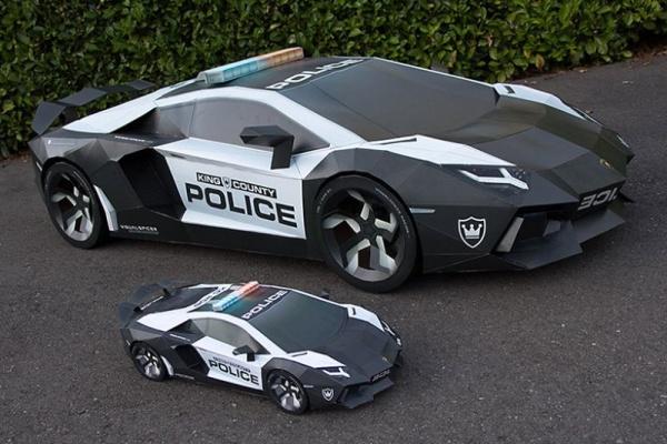 Огромная бумажная модель Lamborghini
