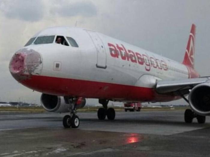 Виртуозная посадка разбитого самолёта вслепую пилотом Александром Акоповым