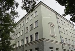 Нарвские депутаты горсобрания хотят сохранить две муниципальных гимназии