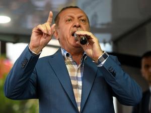 """Эрдоган рассказал, как чудом избежал смерти в ночь мятежа: """"Если бы я задержался на 10-15 минут, меня бы убили"""""""