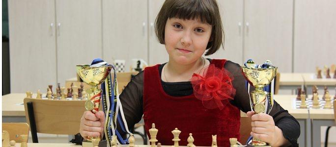 10-летняя нарвская шахматистка стала чемпионкой Эстонии среди юниорок до 20 лет