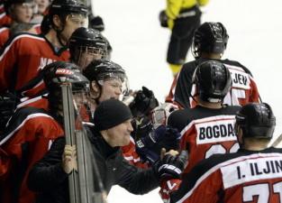 Хоккей: нарвская ПСШ обыграла в гостях «викингов»