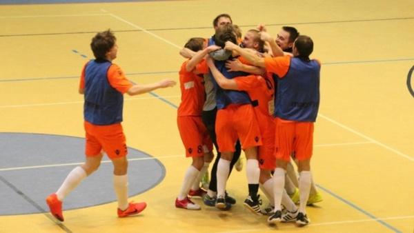 Нарвитяне вернулись на второе место в чемпионате Эстонии по футзалу