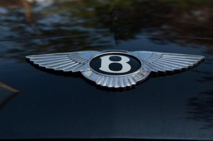 В Петербурге у молодого человека угнали Bentley в день покупки