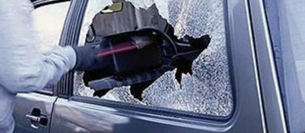 В Нарве участились случаи краж из автомобилей