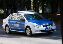 В Нарве столкнулись два автомобиля: одному водителю понадобилась медпомощь