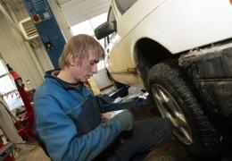 Эстонский шинный союз призывает автовладельцев установить зимнюю резину