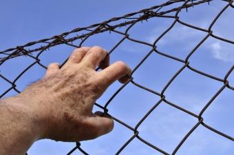 Убившие мужчину ради бутылки пива и 40 центов жители Нарвы надолго сядут в тюрьм