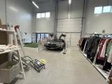 Машина времени с барахолки: DeLorean продают в эстонском секонд-хенде