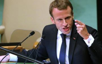 Макрон призвал штрафовать страны ЕС за уклонение от участия в распределении беженцев