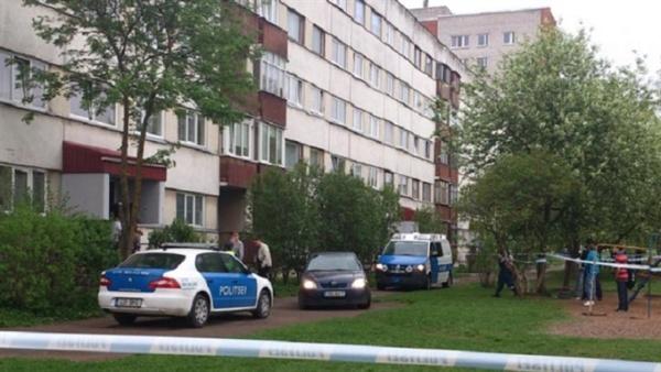Подозреваемый в убийстве семейного врача в Нарве сбежал в Россию