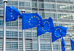 В ЕС готовы ужесточить санкции против России, несмотря на визит Жан-Клода Юнкера