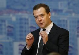 Медведев пригрозил странам Запада ограничением полетов над Россией