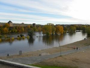 из-за обильных дождей в Нарве затопило Липовку