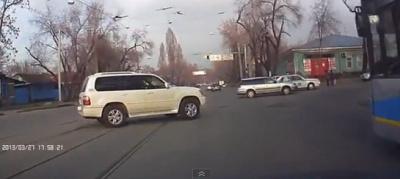 Записи аварий на видеорегистраторы за март 2013