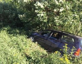 ФОТО: в Харьюмаа автомобиль съехал в кювет, пострадали шесть человек