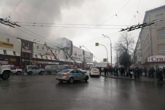 СМИ: причиной пожара в торговом центре в Кемерове стало короткое замыкание