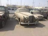Охотник за брошенными суперкарами - новая популярная профессия в Дубае