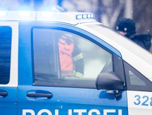 В Йыхви мужчина с ножом напал на полицейского