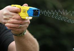 Департамент полиции и погранохраны намерен закупить электрошокеры