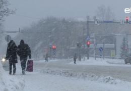 В Нарве снова исчерпали лимит на вывоз снега с городских улиц