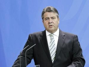 """В Германии ожидают миллион беженцев в 2015 году и хотят """"справедливого"""" распределения мигрантов по Европе"""