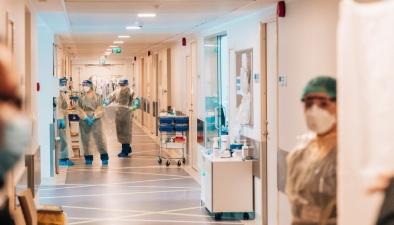 Южноэстонские больницы вынуждены снова открывать коронавирусные отделения