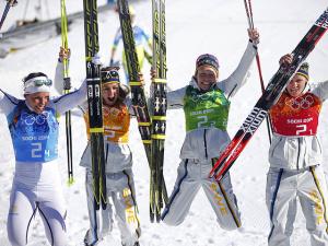 Шведская сборная выиграла лыжную эстафету в Сочи, россиянки - шестые