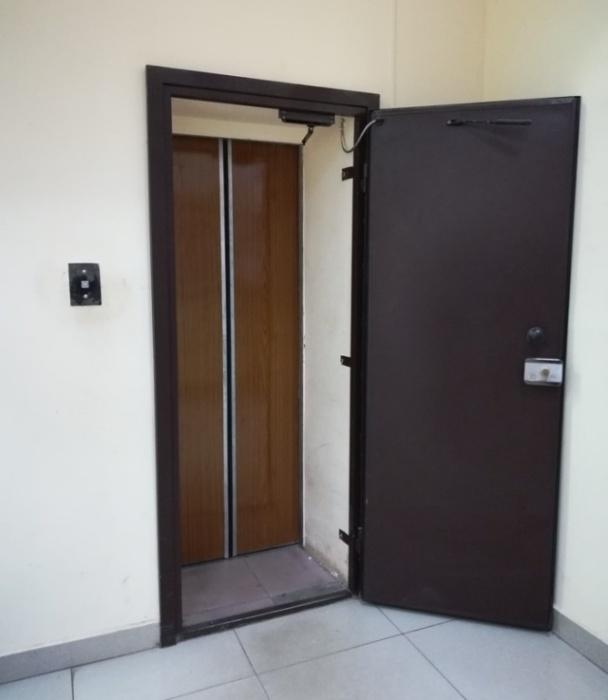 Как вы думаете, что скрывается за этой дверью?