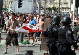 Лидер английских фанатов призвал отстранить Россию от Евро-2016