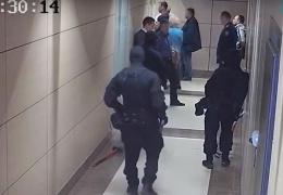 У сторонников Навального в разных городах снова проходят обыски по делу ФБК