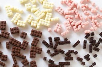 Шоколадные фигурки конструктора Лего