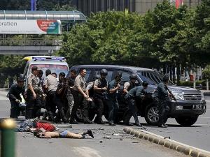 Серия взрывов в Индонезии: есть жертвы, террористы обезврежены