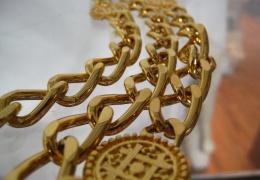 В Нарве с шеи мужчины сорвали золотую цепь - ущерб составил почти 4000 евро