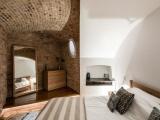 Шикарный дом внутри старинной башни начала XIX века
